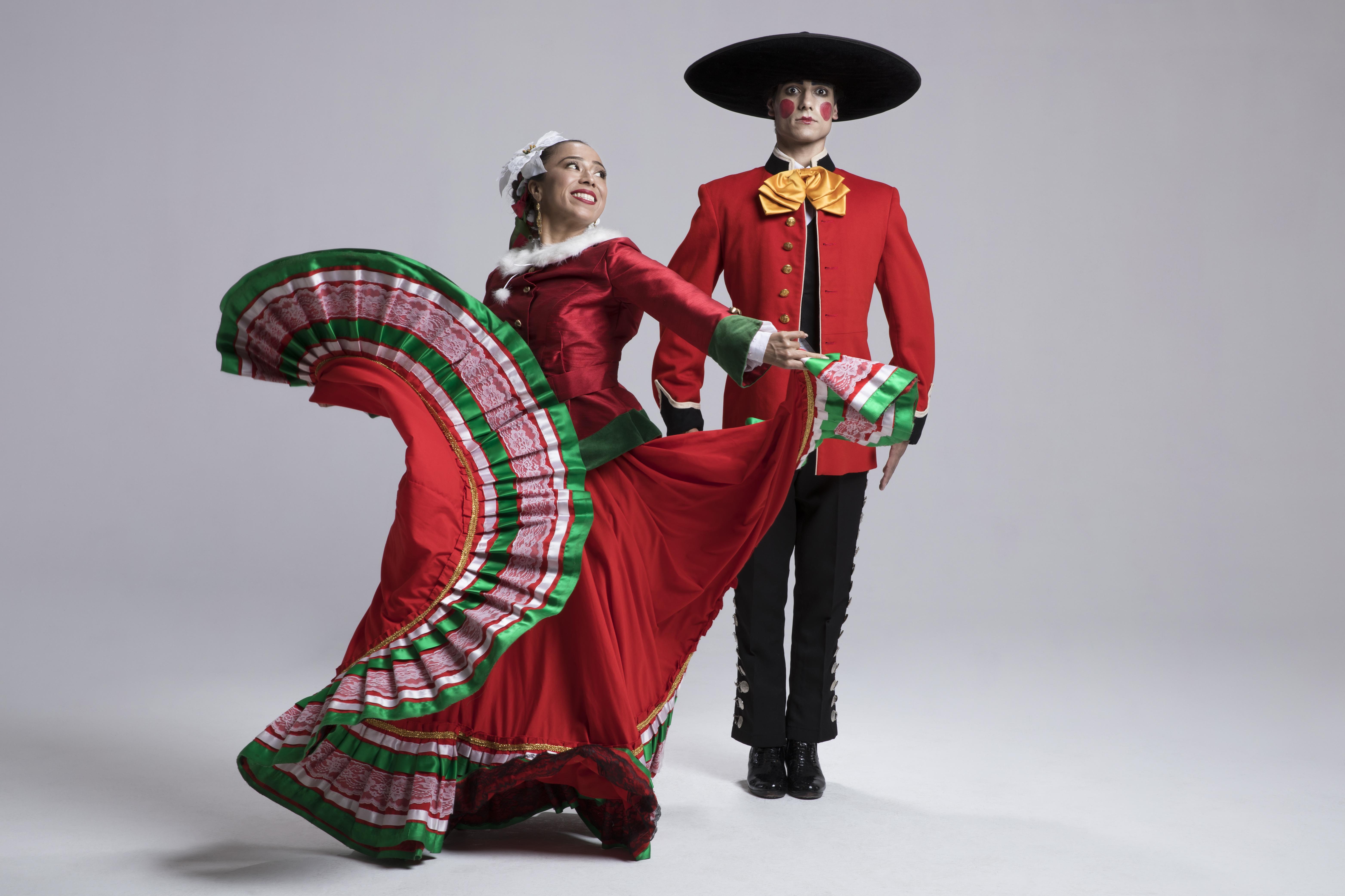 Mexican Christmas Traditions.Navidad A Mexican American Christmas Queens Botanical Garden